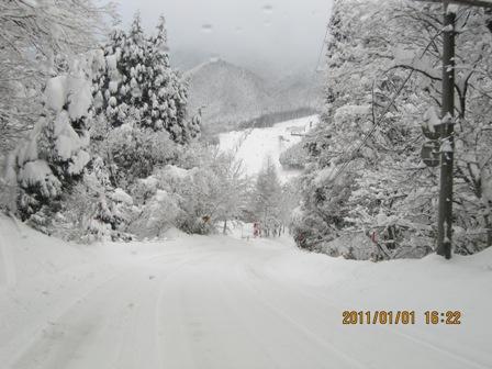 雪のお正月1