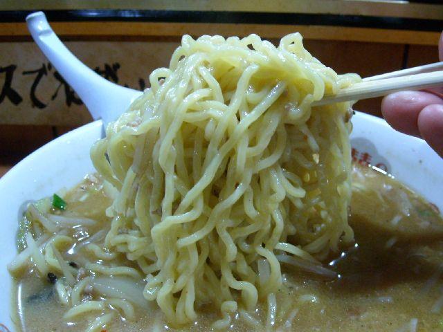 大五郎・みそラーメン 麺