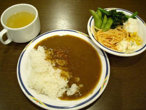 ステーキガスト・サラダ カレー3