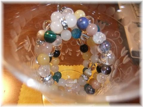 グラスに天然石