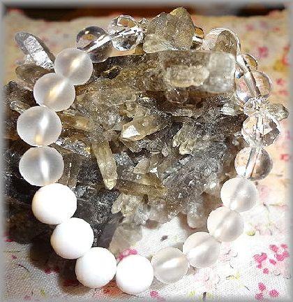 水晶とホワイトオニキス