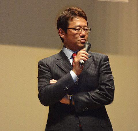 トーク中の古田さん