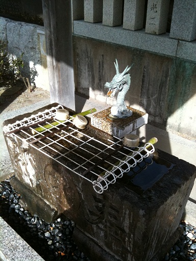 009-shrine.jpg