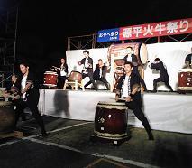 地元では和太鼓演奏もやっております。