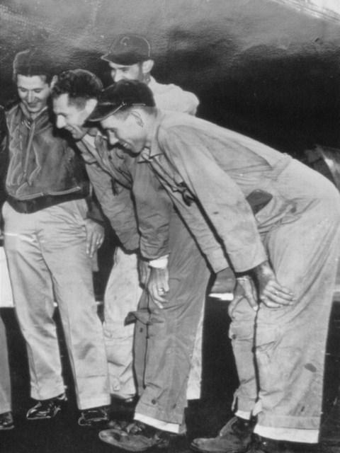 1945-04.jpg
