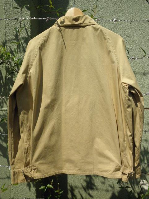 アバクロジャケットとパンツ 003