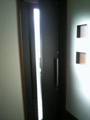 玄関ドア中-
