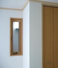 2階和室押出し窓