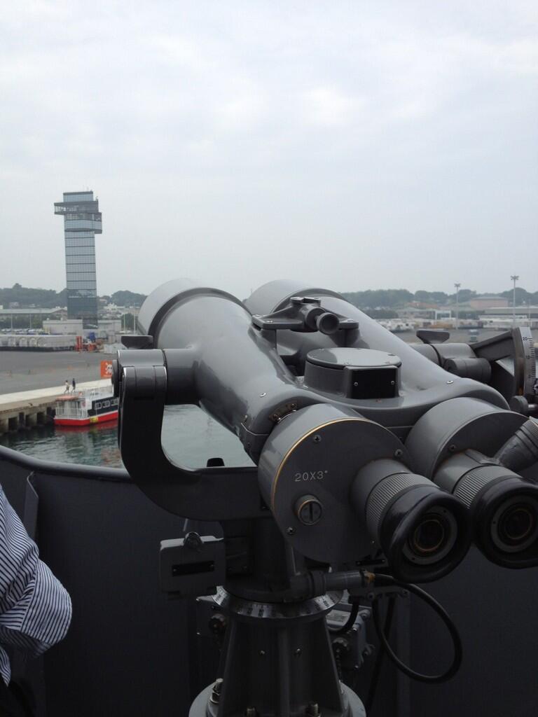 20倍率望遠鏡でマリンタワーの秋山殿もクッキリと!