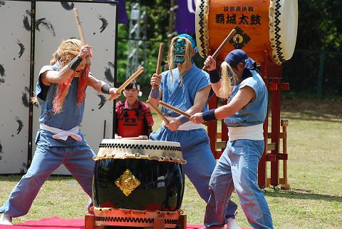 仮面の和太鼓グループ