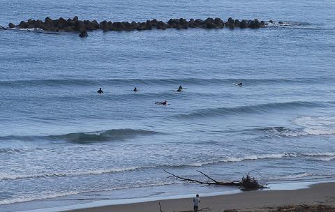 湯野浜のサーファー