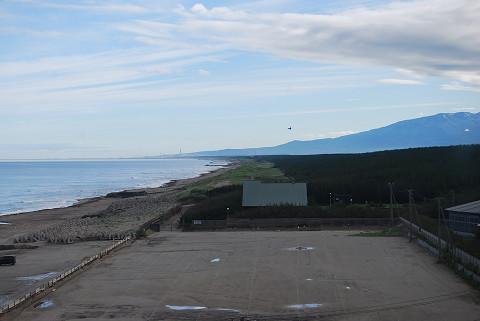 湯野浜海岸と鳥海山
