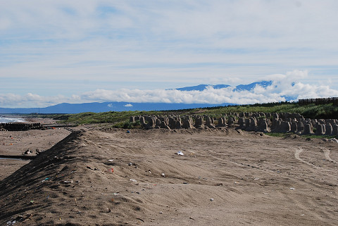 雲をかぶった鳥海山
