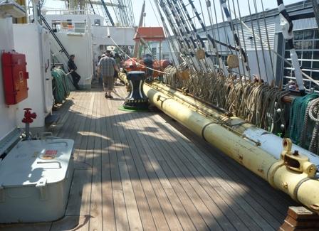 Kruzensthern 甲板