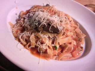 パスタフローラ 2-1 牛肉の特製ボローニアタリアッテーレ