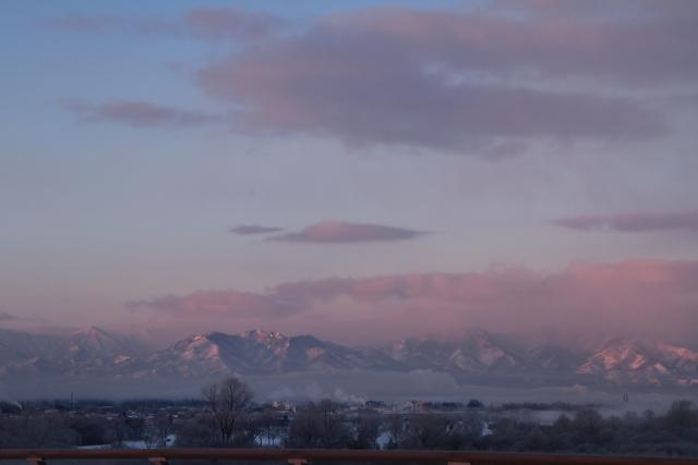 039モルゲンロートの日高山脈