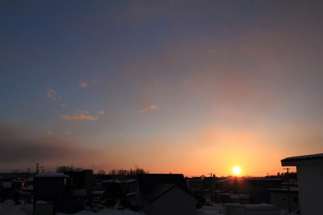 046微かな朝焼け