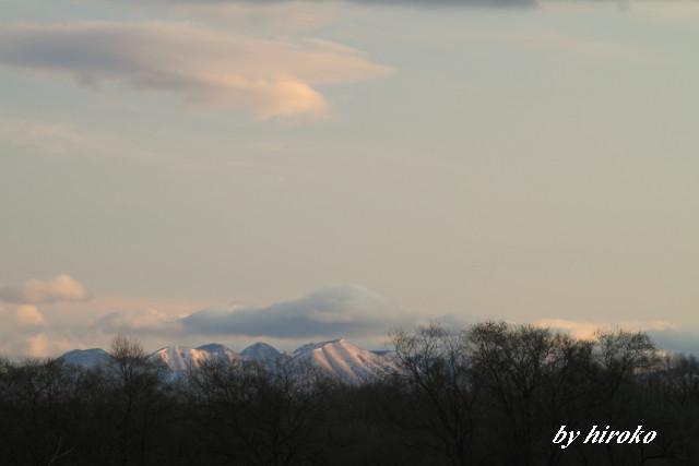 073ピンクに染まる山並み