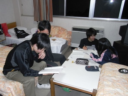 10camp-study01.jpg