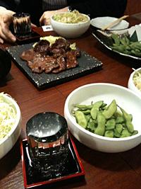 牛タンと味噌焼きと塩のハーフ。