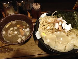 「ラーメン凪」のつけ麺300g。美味い!