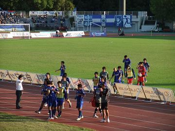2011_1023sagawa戦後のチーム1-b