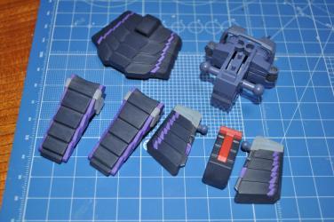 腰部フレーム・装甲