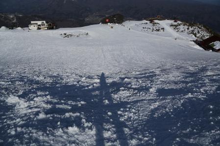 スキー場、雪が腐って滑らん。。。