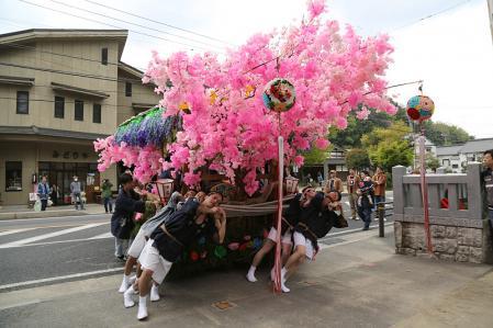 香嵐渓 花車は足助神社へ
