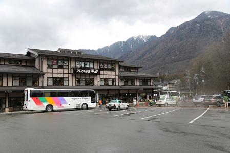 バスで新穂高へ戻る。もうすぐ今回の登山旅も終了。