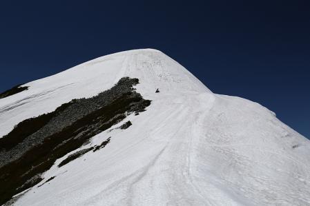 稜線に出た 頂上まであと少し