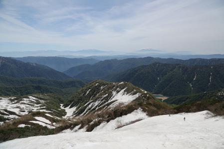大倉山以降は雪渓が増える