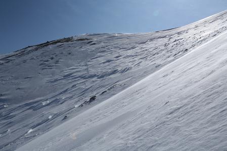 トラバース祭も終わり、あとはこの斜面を急登