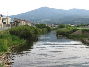 景色 野束川