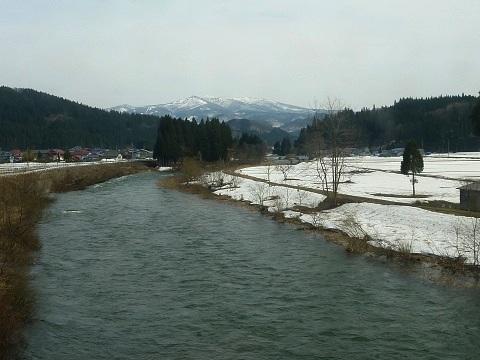 川と森吉山