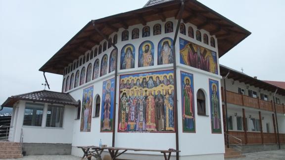 フモールの隣の修道院