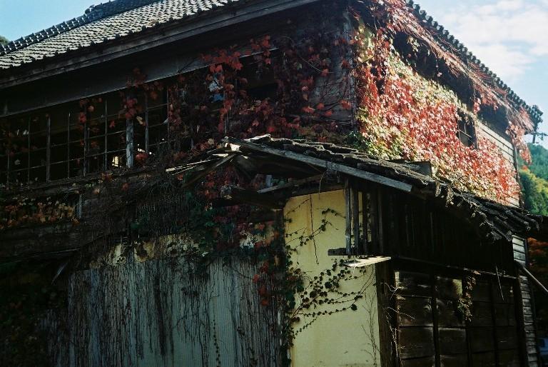 鳳来寺の廃屋 FH004