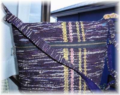 紫の糸・ラメ糸