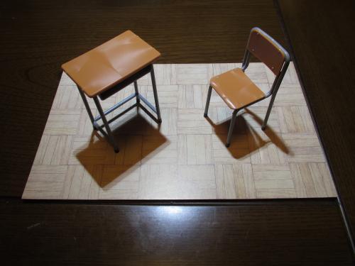 机と椅子完成