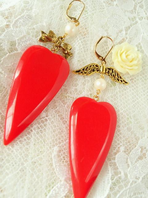 赤ハートの片耳フリンチフックピアス4