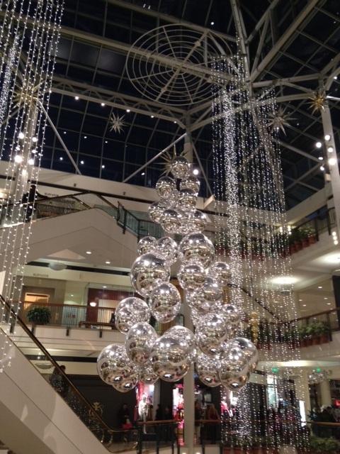 2011-12-24 Xmas downtown2