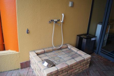 入口シャワー