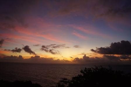 日の出の空