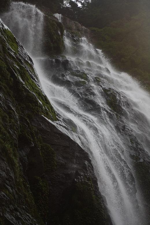 千尋の滝、9