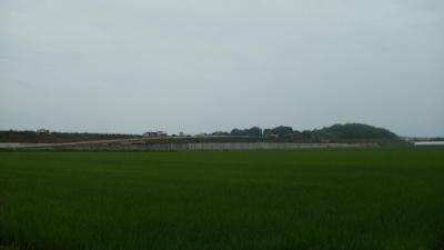 香南かがみIC付近で舗装工事が始まっています。