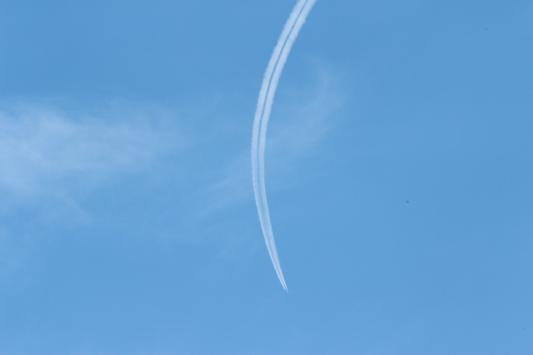 110826 曲飛行機雲 のコピー