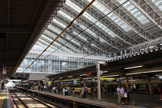 110925N大阪駅 (27)のコピー