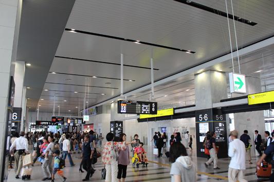 110925N大阪駅 (12)のコピー