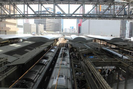 110925N大阪駅 (11)のコピー