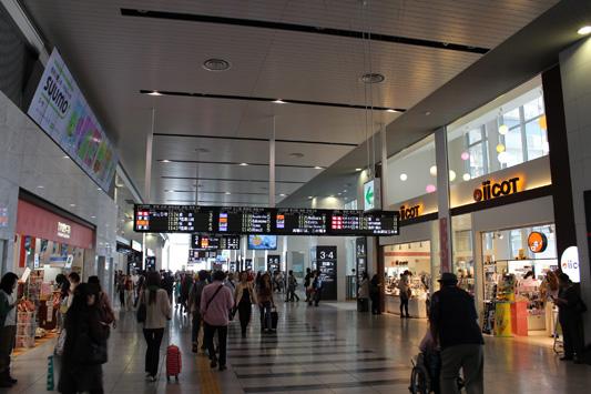 110925N大阪駅 (38)のコピー